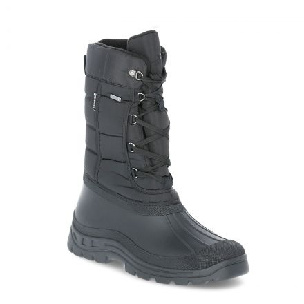 Straiton II Men's Snow Boots in Black, Angled view of footwear