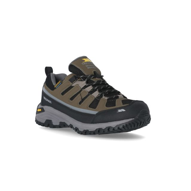 Cardrona Men's Vibram Walking Shoes in Brown