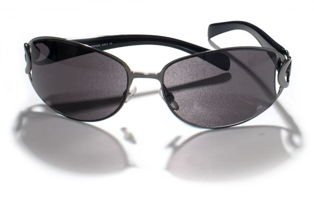 Pokerface Unisex Sunglasses in Black