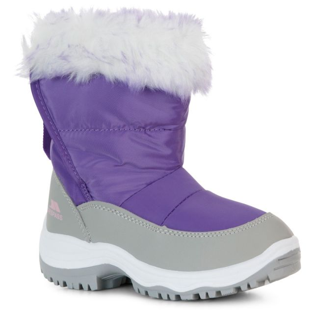 Trespass Kids Snow Boots Water Resistant Insulated Arabella Purple, Angled view of footwear