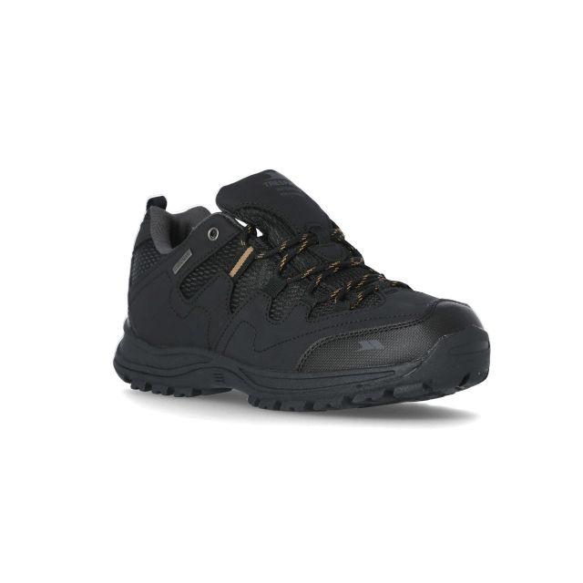 Finley Men's Walking Shoes in Black, Angled view of footwear